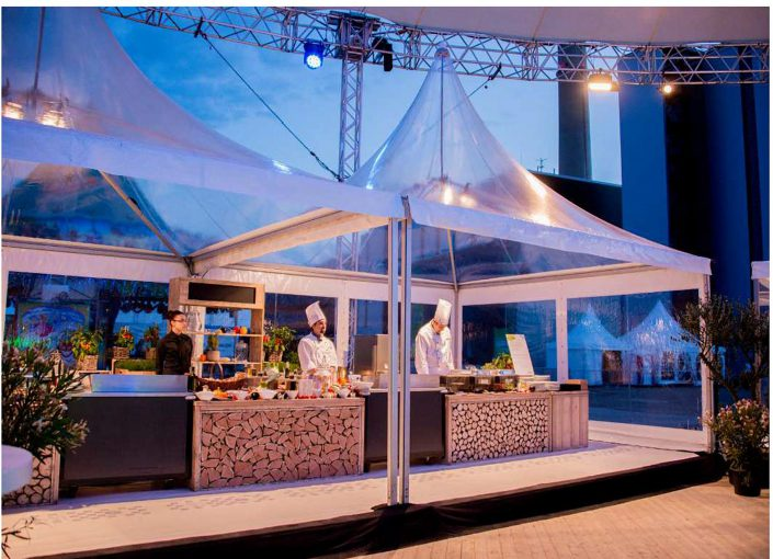 transparente-pagode-mit-showcooking